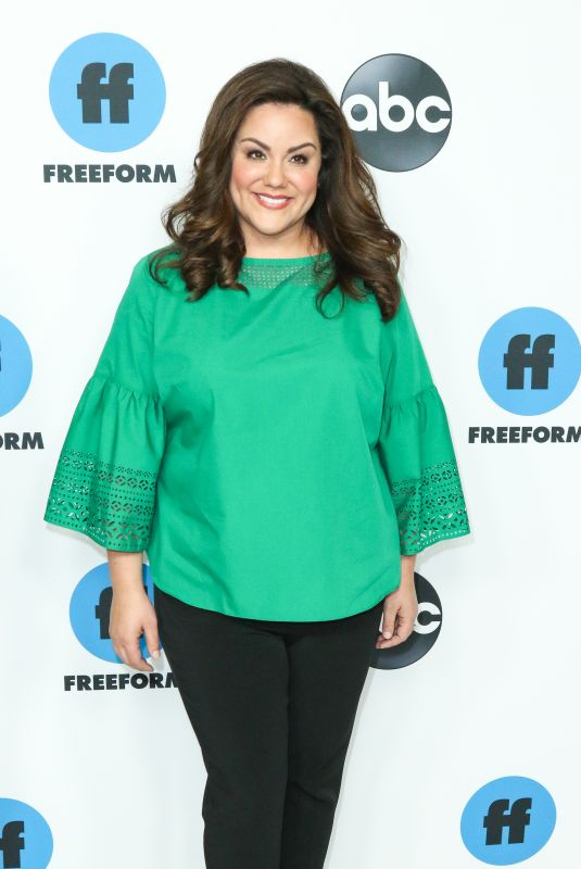 Katy Mixon At 2019 Winter TCA Press Tour - Disney ABC Television held at the Langham Huntington Hotel in Pasadena