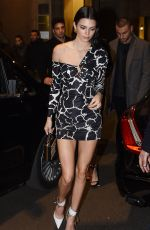 Kendall Jenner Arriving at the Versace dinner on Day 3 Milan Fashion Week Autumn/Winter
