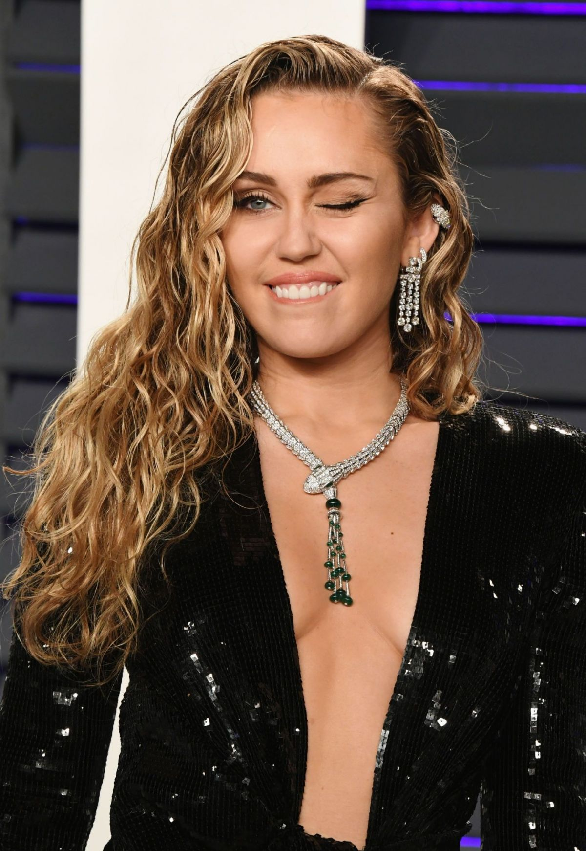 Miley Cyrus At 2019 Vanity Fair Oscar Party In Beverly