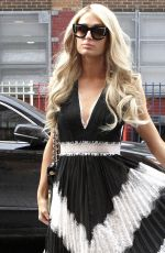 Paris Hilton Arrives at Alice and Olivia presentation during New York Fashion Week