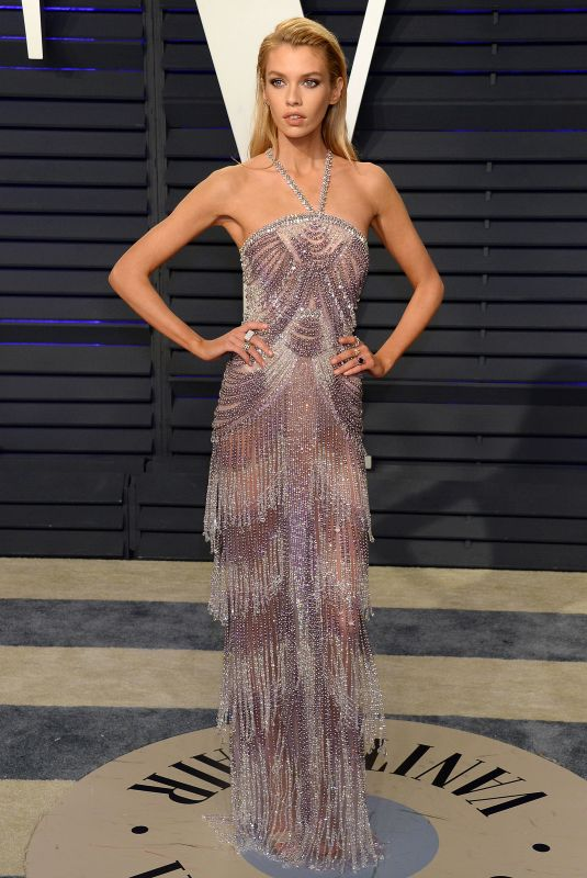 Stella Maxwell At 2019 Vanity Fair Oscar Party hosted by Radhika Jones at Wallis Annenberg Center for the Performing Arts in Beverly Hills