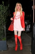 Tara Reid Arrives in a very festive attire as she enjoys Valentine