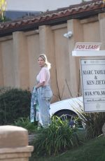 Tori Spelling Goes house hunting in Calabasas
