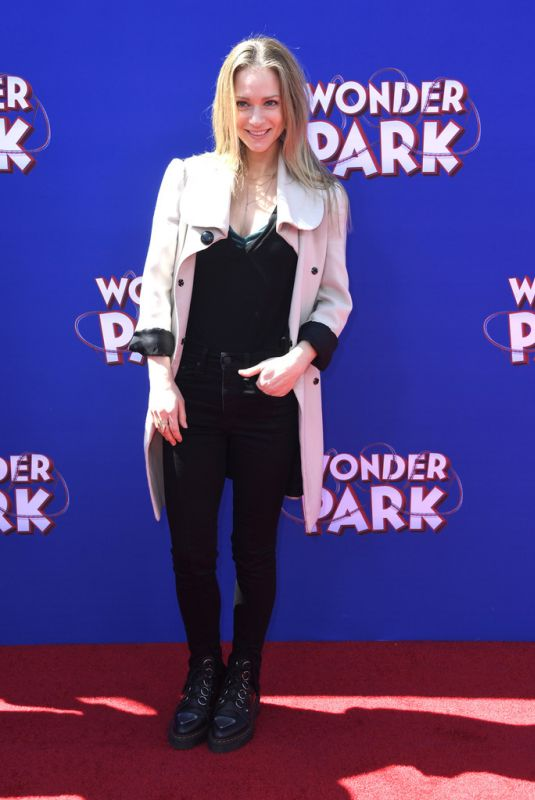 A.J. Cook At Premiere of Paramount Pictures