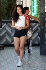 Cindy Kimberly Has lunch with her girls at Tocaya in West Hollywood