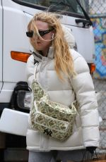 Dakota Fanning Out shopping in New York