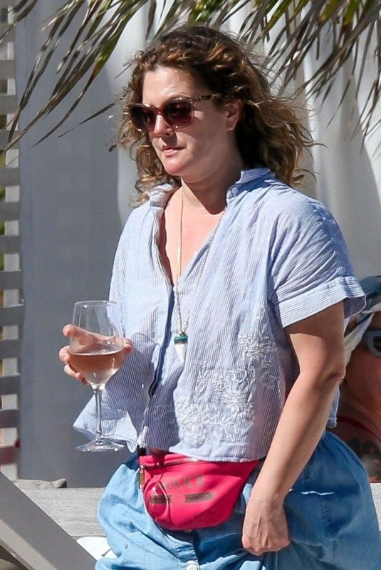 Drew Barrymore On vacation in Tulum