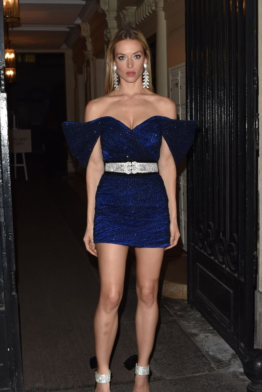 Hannah Ferguson At Cocktail Party, Paris Fashion Week