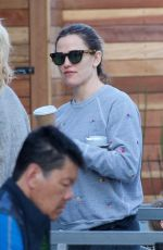 Jennifer Garner Getting coffee in Brentwood