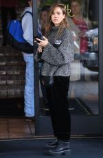 Jessica Alba Has Lunch at 25 Degrees at the famed Roosevelt Hotel on Hollywood Blvd in Los Angeles