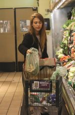 Jessica Alba Shopping a Whole Foods Market in Beverly Hills