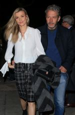 Joanna Krupa Out for dinner at Craig