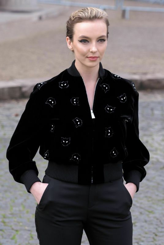 Jodie Comer Attends Fashion Show in Paris