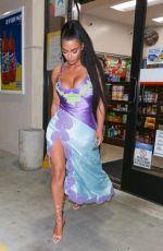 Kim Kardashian At a convenience store in Newport Beach