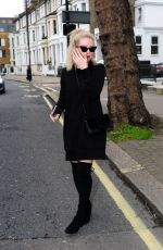Lottie Moss Leaving the cosmetic clinic