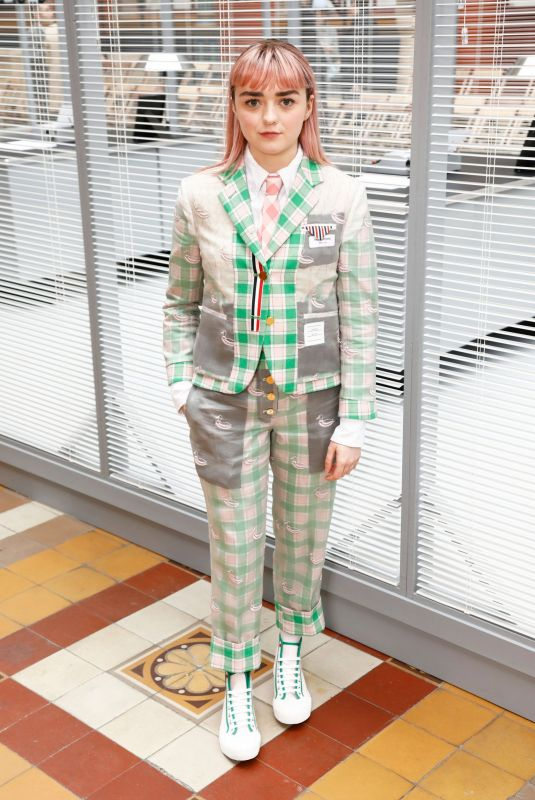 Maisie Williams Attends the Thom Browne show as part of the Paris Fashion Week Womenswear Fall/Winter 2019/2020 in Paris