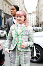 Maisie Williams Outside the Thom Browne show PFW Womenswear F/W 2019/2020 in Paris