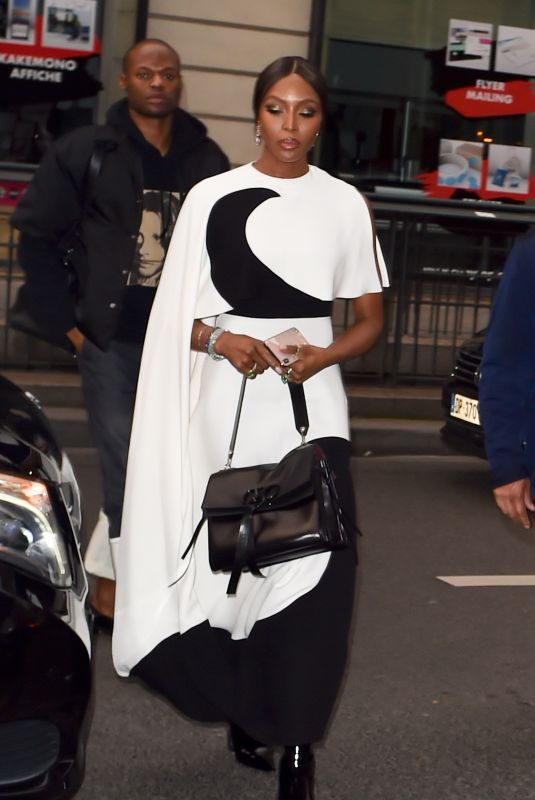 Naomi Campbell Arrives at the Vogue party in Paris