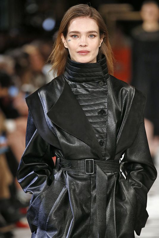 Natalia Vodianova Walks the runway during the Stella McCartney show as part of the Paris Fashion Week Womenswear Fall/Winter 2019/2020
