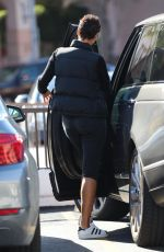 Nicole Murphy Makes a quick trip to Rite-Aid in Beverly Hills
