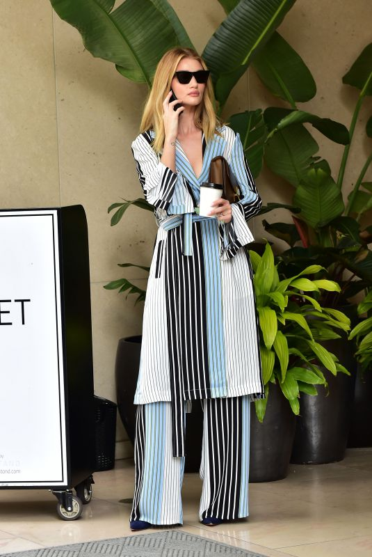 Rosie Huntington-Whiteley Out for coffee in Beverly Hills