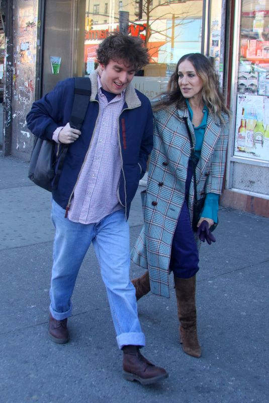Sarah Jessica Parker On The Set Of Divorce in West Harlem
