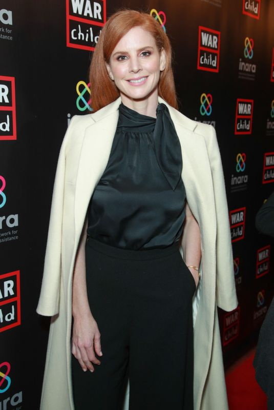 Sarah Rafferty At Good For A Laugh Comedy Fundraiser To Support Children Affected By War in Los Angeles
