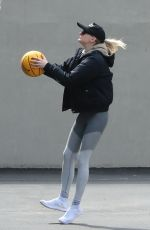 Sophie Turner Playing basketball in NYC