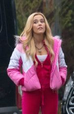 Zoey Deutch In pink on the set for