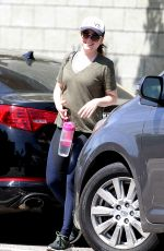 Alyson Hannigan Heading to a workout session in Los Angeles