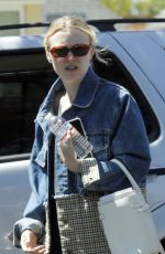 Dakota Fanning Out with her mom in LA