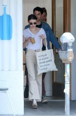 Emma Roberts Meets up for breakfast with Darren Criss and Mia Swier in Los Angeles