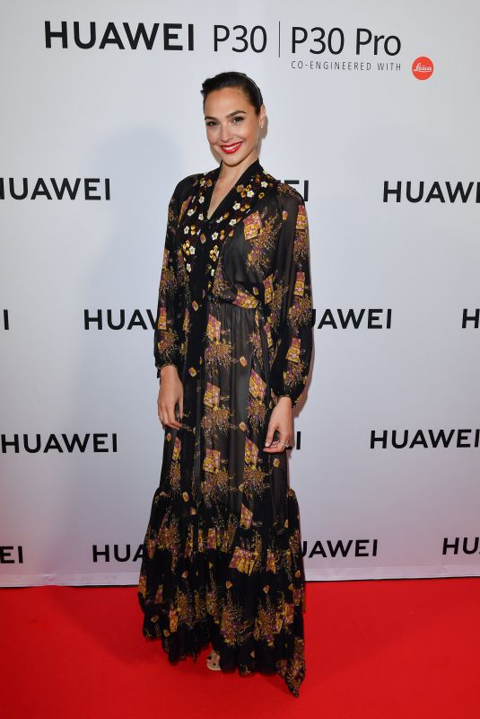 Gal Gadot At Huawei P30 Series Launch Event in Toronto