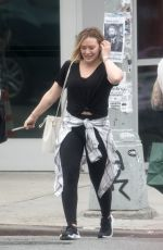 Hilary Duff and Matthew Koma have an adorable moment in NYC