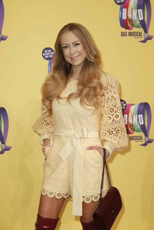 Jenny Elvers At Premiere of