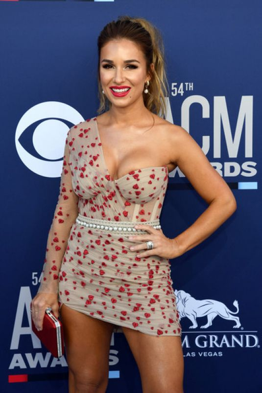 Jessie James Decker At 54th Academy Of Country Music Awards in Las Vegas