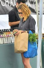 Julia Roberts At the Farmers Market in LA
