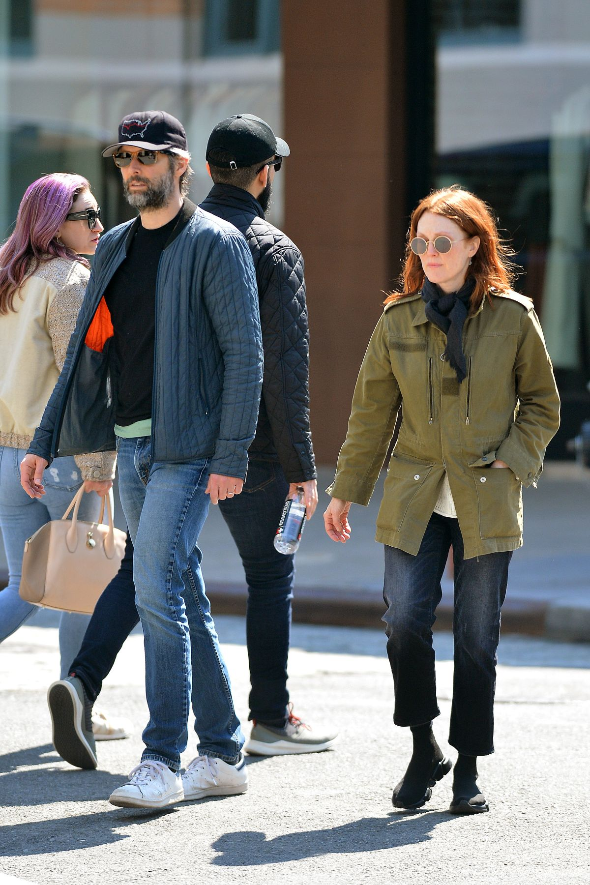 Julianne Moore And Bart Freundlich Check Out A New Tesla In