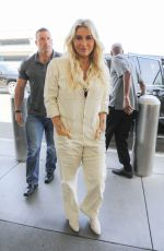 Kesha Looking Better Than Ever As She Showcases Her Natural Beauty at LAX