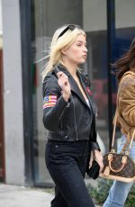 Lottie Moss Hits a vape pen after lunch with a friend, West Hollywood