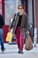 Maggie Gyllenhaal Shopping in New York
