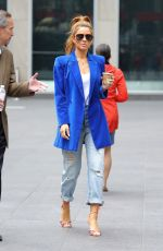 Maria Menounos Out in NYC