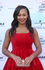 Nia Sioux At