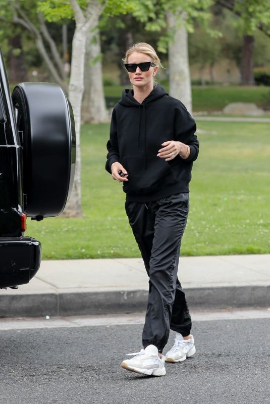 Rosie Huntington-Whiteley At a park in Beverly Hills