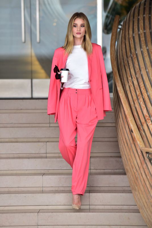Rosie Huntington-Whiteley Leaving an Office Building in Beverly Hills