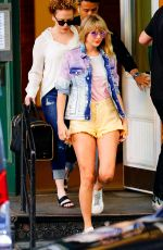 Taylor Swift Leaving her home in NYC