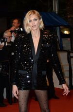 Anja Rubik At
