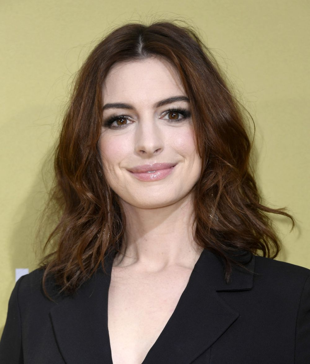 Anne Hathaway Movie 2019: Anne Hathaway At The Hustle Premiere In Hollywood