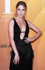 Anne Winters At People En Espanol