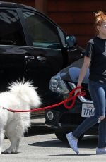 Ariel Winter Takes her dog